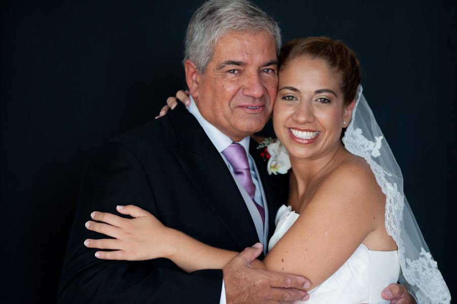 pamela-pepo-boda-en-la-parroquia-san-juan-bautista-y-el-hotel-hilton-airport-de-madrid-27