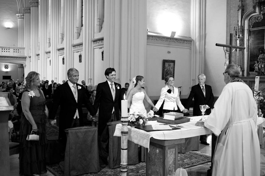 pamela-pepo-boda-en-la-parroquia-san-juan-bautista-y-el-hotel-hilton-airport-de-madrid-71