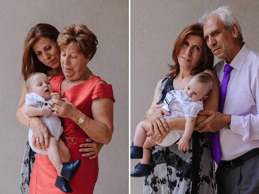 fotos de bautizo, bautizo en madrd, fotografo de bautizo, fotos de familia, mama el bebe y la abuela, mama el bebe y el abuelo