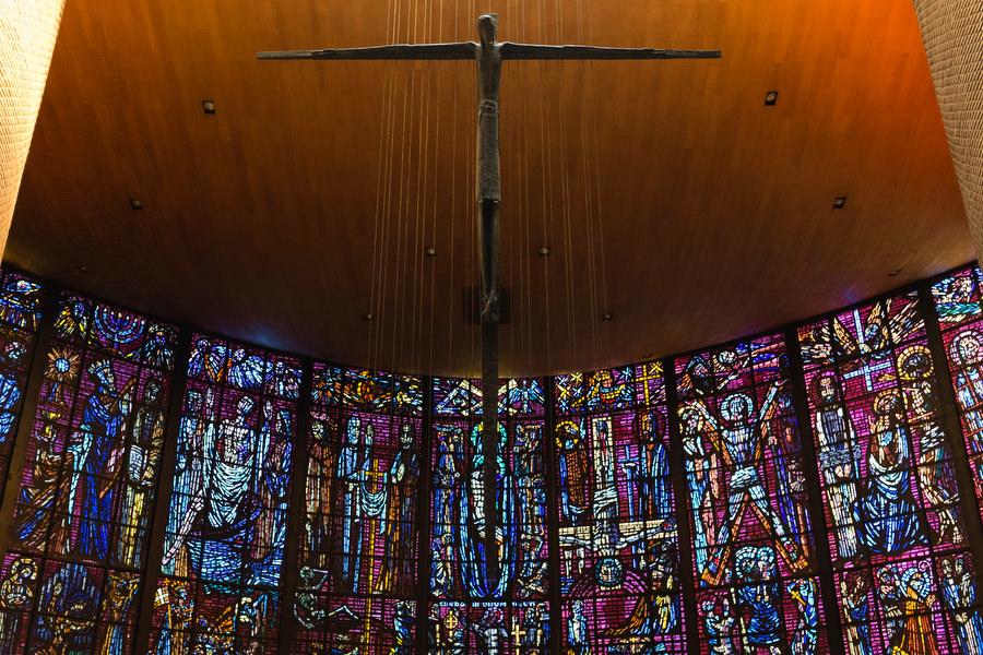 vidriera de la parroquia de san pedro martin