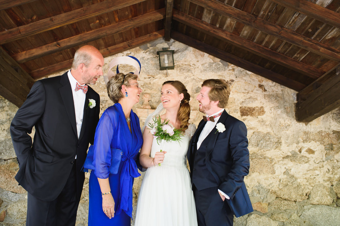 foto de familia de boda en la finca el molino tornero