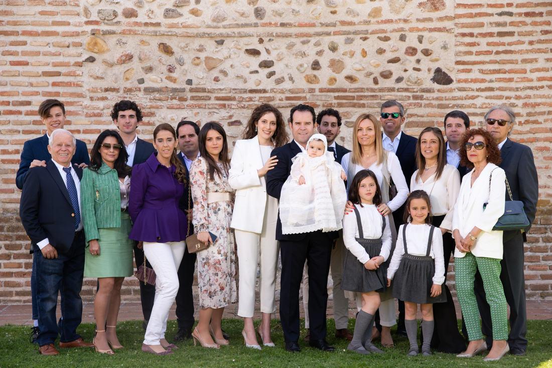 fotos de familia de bautizo en fuente del fresno