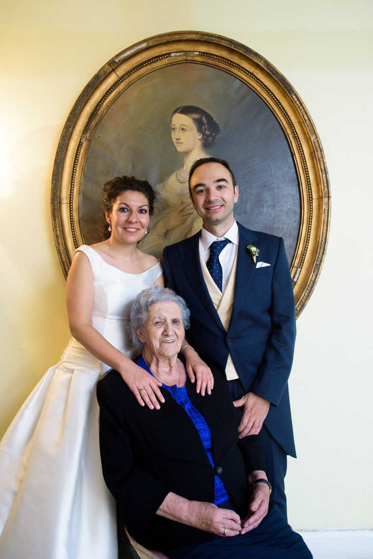 foto boda novios con abuela finca la matilla guadalajara