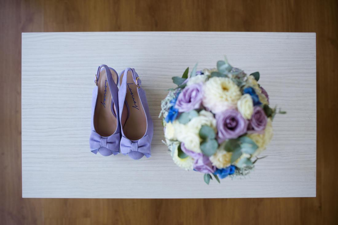 fotos de detalle de loz zapatos y ramo y de boda en guadalajara