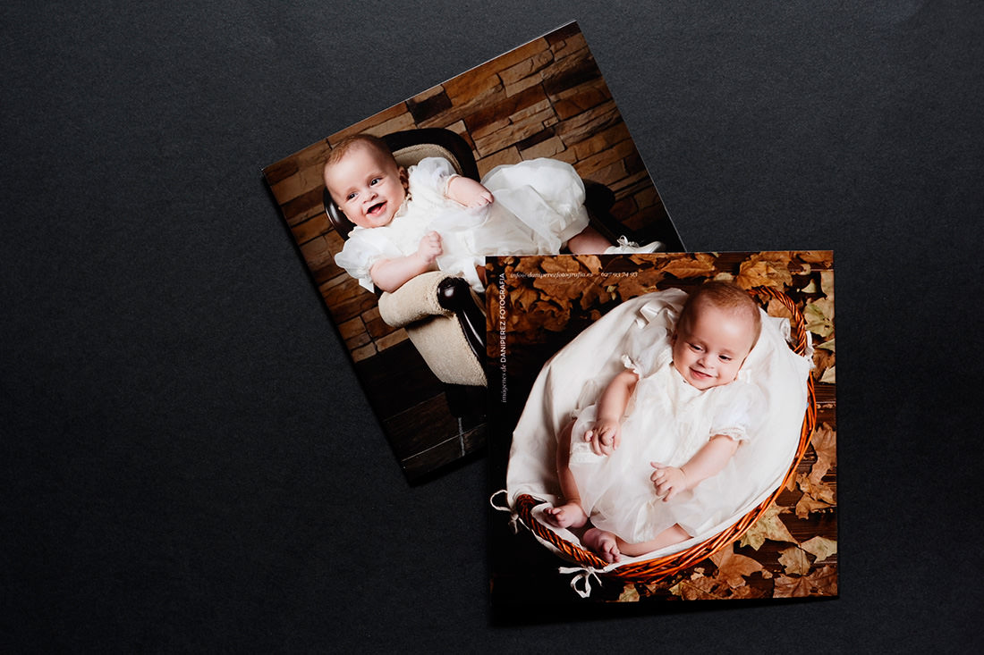 recordatorio de bautizo de bebe formato diptico de 15x15cm